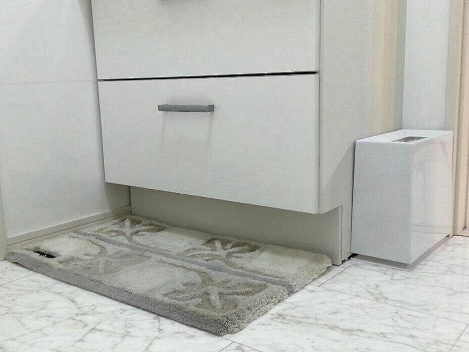 キャサリンハムネット 洗面台 ホワイトインテリア
