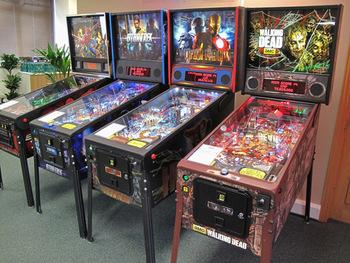 Stern-Batman-66-LE-Pinball-Machine.jpg_350x350