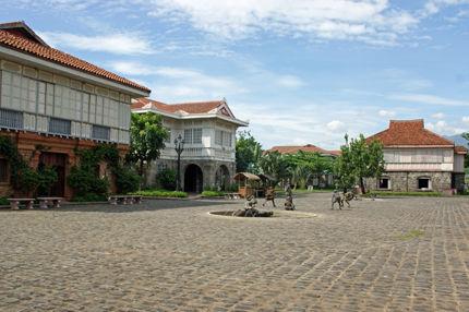 las casas filipinas de acuzar 10