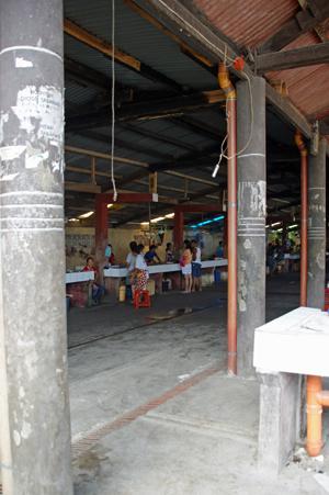 moalboal market 8