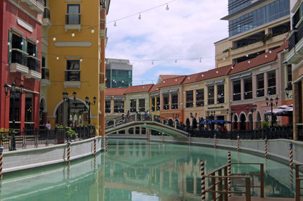 grand canal 12