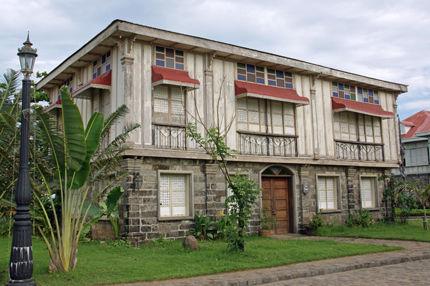 las casas filipinas de acuzar 65