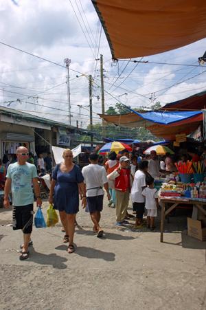 moalboal market 2