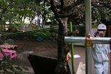 封鎖された宮下公園,撮影する渋谷区職員2