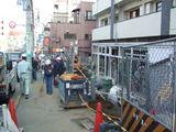 工事現場附近の歩道と問題警備員