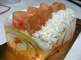 ピーチロールケーキ