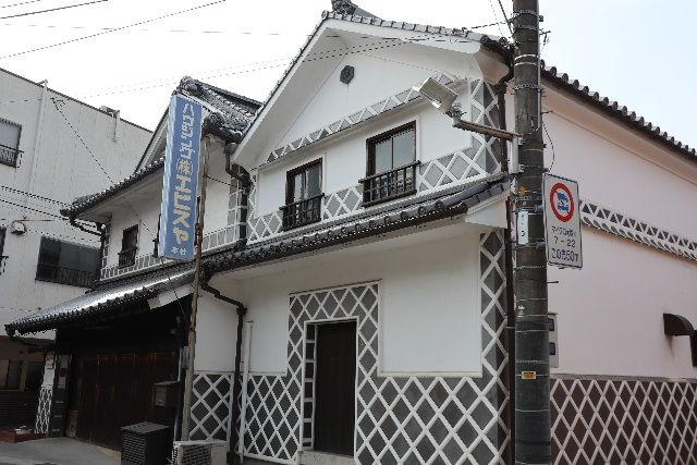18-白壁の倉庫JPG