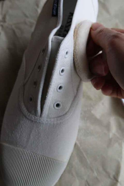白いスニーカー 汚さないコツ 1