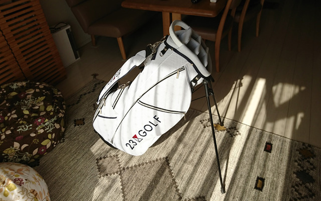 23区ゴルフの軽量スタンドキャディバッグ