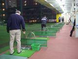 雨の日の公和ゴルフセンター打席