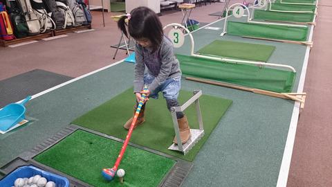 子供に学ぶゴルフスイング習得方法 (5)