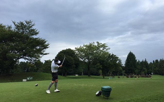 阿見ゴルフクラブでのアイアンティーショット