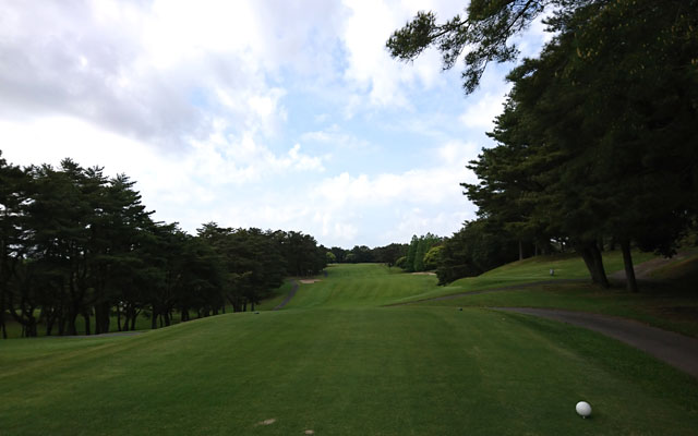 桜ゴルフ倶楽部は丘陵コース