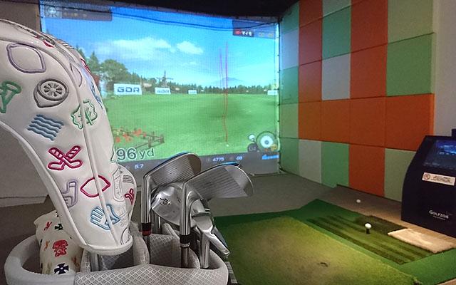 ゴルフのフックボール矯正中練習打席