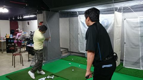 体験中(エッセンシャルゴルフ)