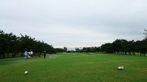 若洲ゴルフ場から海を臨む