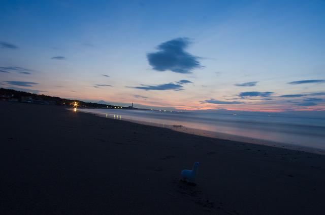 夜明けの静波海岸2