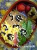 8 鶏そぼろ なべあつ弁当 019