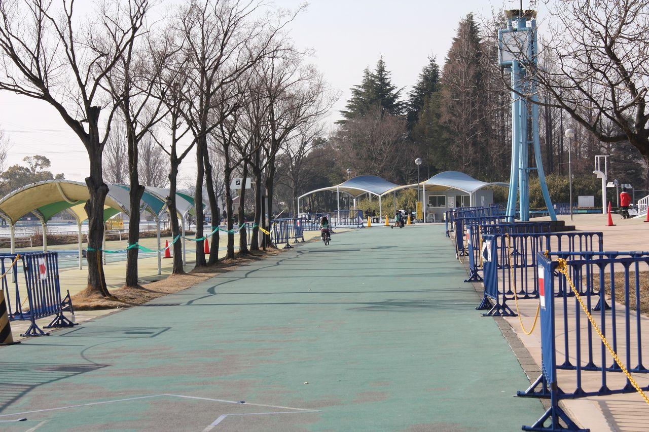 水上公園でマス釣りと自転車 ...