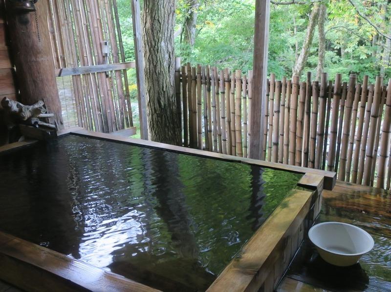 [Tips] 露天風呂を英語で言うと? 意外と多いお風呂の言い方