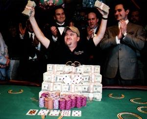 Chris-Moneymaker-wins-WSOP