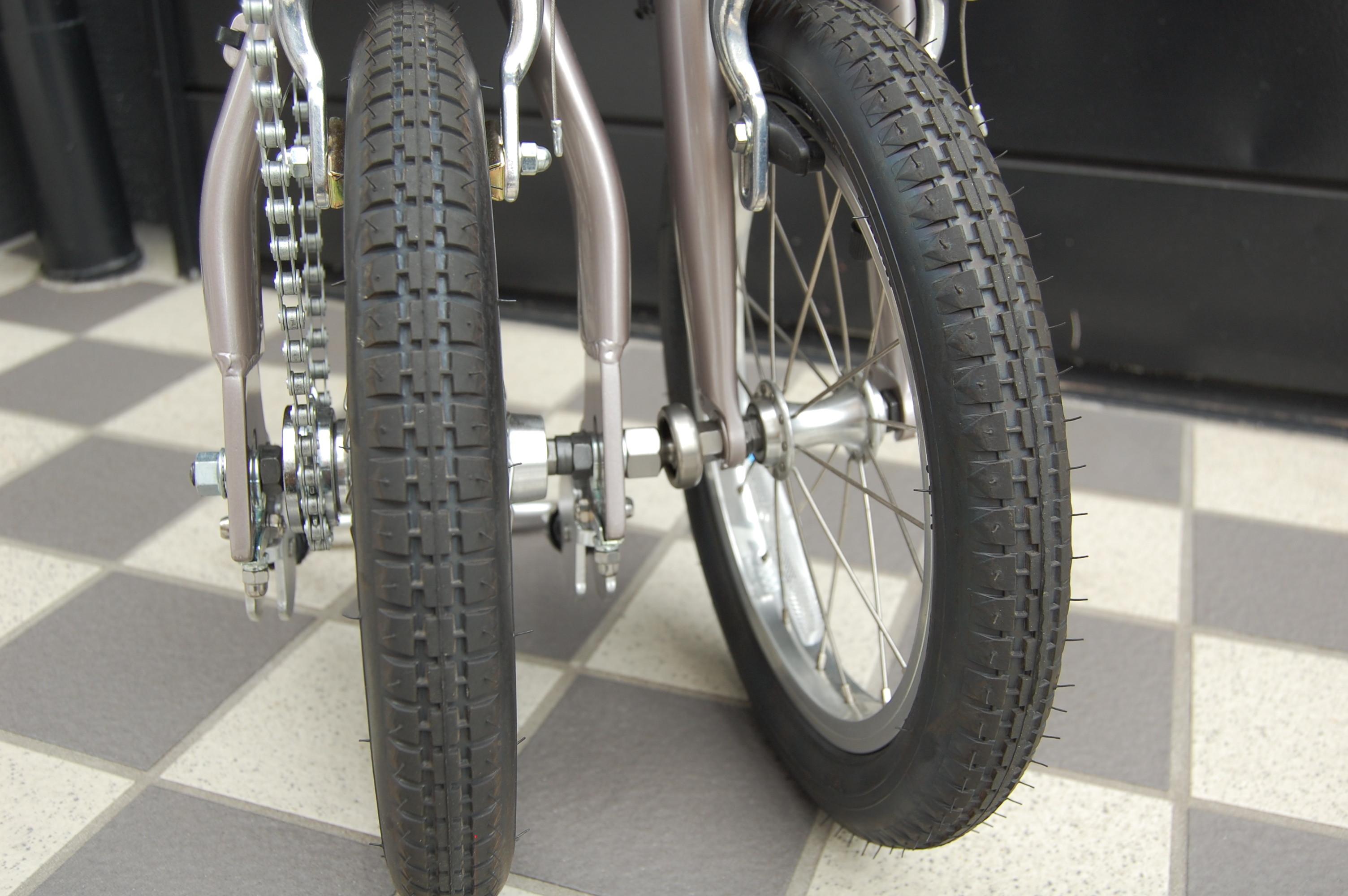 自転車の 100円 自転車カバー 輪行 : 前輪と後輪をジョイントする ...