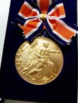 金色メダル