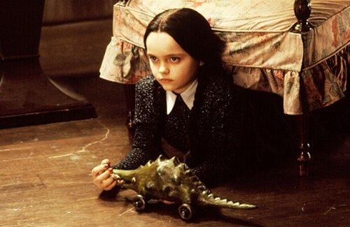 Netflixで「アダムス・ファミリー」の長女ウェンズデーを主人公に描く実写スピンオフがドラマ化決定!