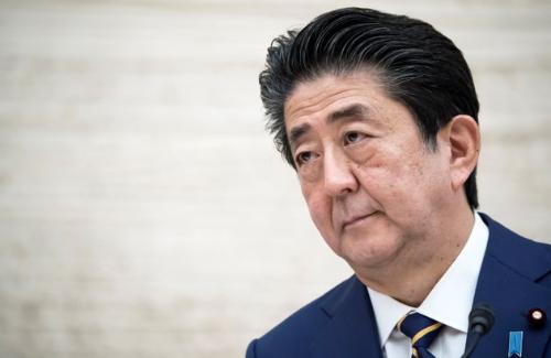 【ブーメラン】朝日新聞記者「布マスクや星野源さんのことで炎上してますが!?」 安倍首相「お前んとこでも3300円の布マスク販売していたじゃん?」