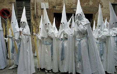 白人至上主義集団KKK「黒人、ア...