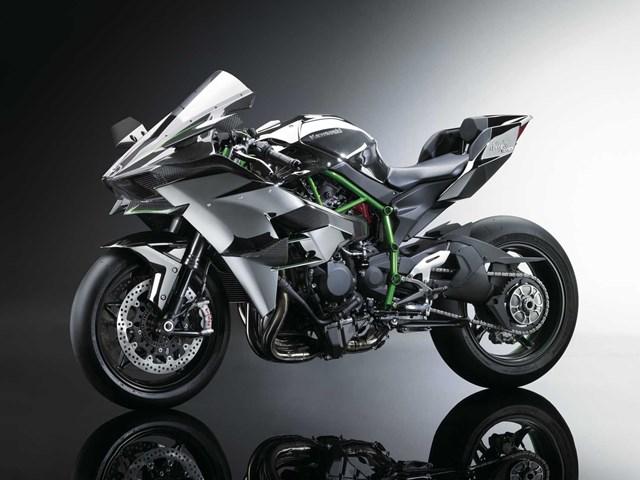 141003-2015-Kawasaki-Ninja-H2-002