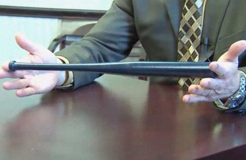 【銃乱射事件】「これで身を守れ」アメリカさん、教員にミニチュア野球バットを支給
