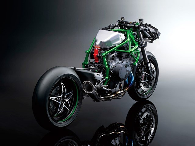 141003-2015-Kawasaki-Ninja-H2-004