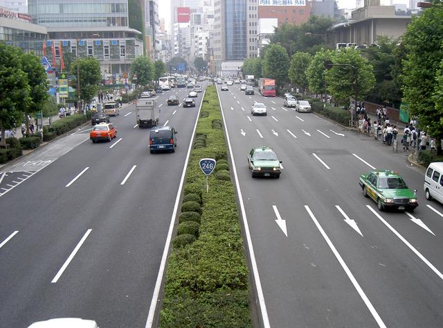 Route_246_Aoyama_street