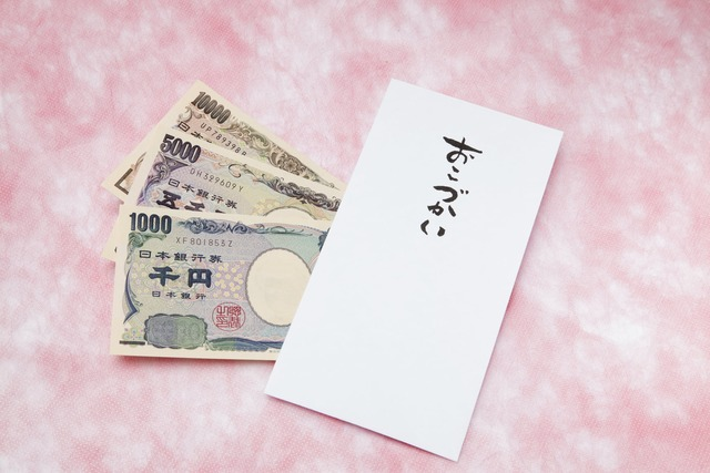 高校生「お小遣い5000円って絶対足りないと思うんですけど」⇒ネットで大論争に!正直どう思う?