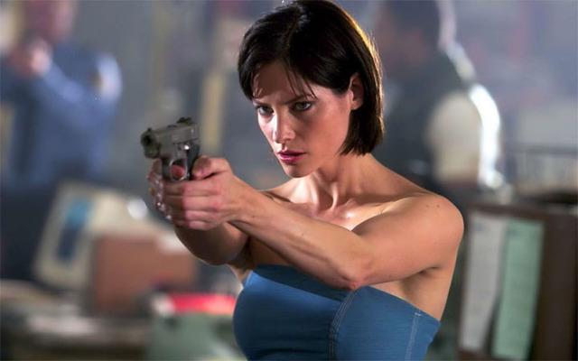 Resident_Evil-Sienna_Guillory-1