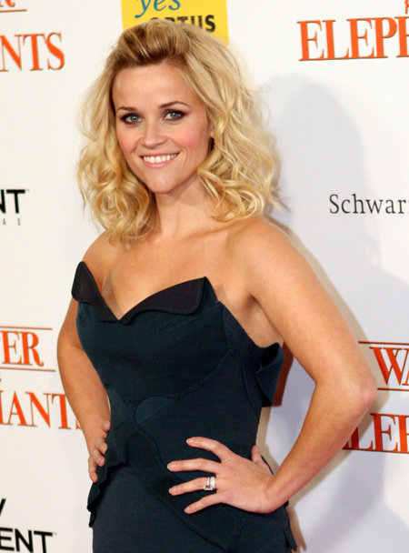 Reese_Witherspoon,_2011