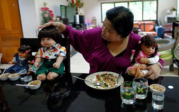 thai-doll-home_3558315b