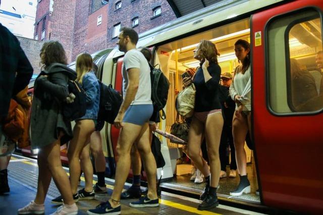 Menschen-weltweit-fahren-ohne-Hose-U-Bahn