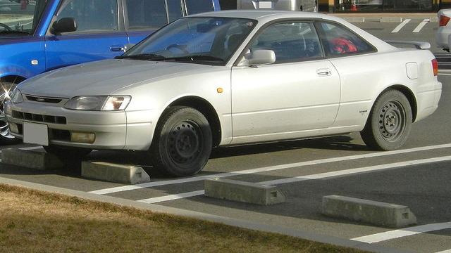 800px-Toyota_Corolla_Levin_1995_1