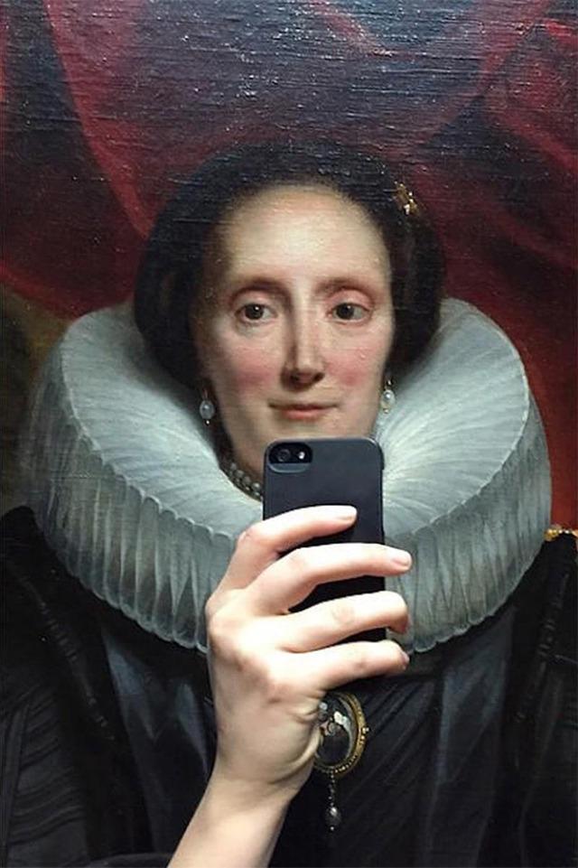 museum-historical-portrait-selfie-olivia-muus-3