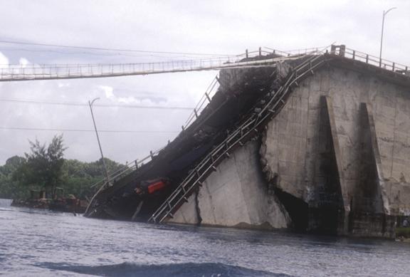 Original_Koror-Babeldaob_Bridge_collapse