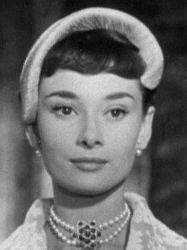 Audrey_Hepburn_Roman_Holiday_cropped