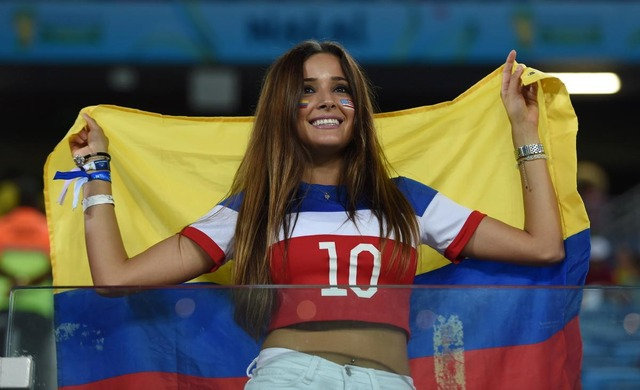 Photos-of-hot-female-fans-in-World-Cup-2018-Colombia
