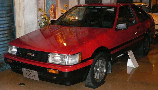 800px-1983_Toyota_Corolla-Levin_01