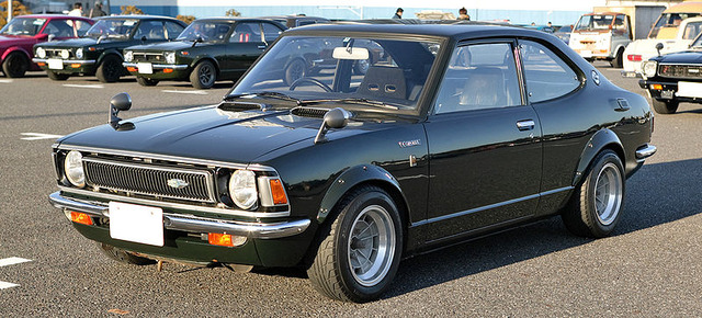 800px-Toyota_Corolla_E20_003