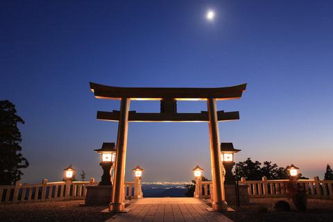 夕暮れの時空神社