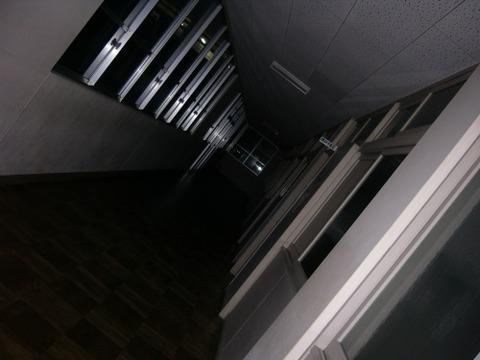 夜の学校で