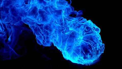 青い炎のモヤ