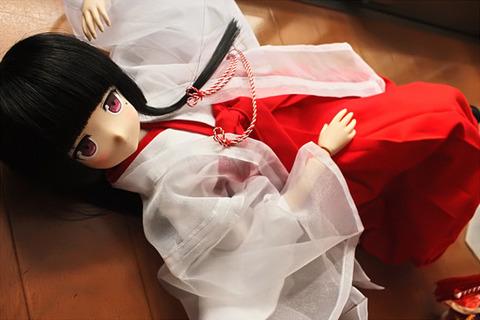 日本人形の頑張り